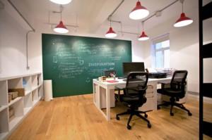 mo hinh thiet ke tai Hong Kong 03 300x199 Mô hình thiết kế văn phòng trong 1 công ty tại Hông Kông