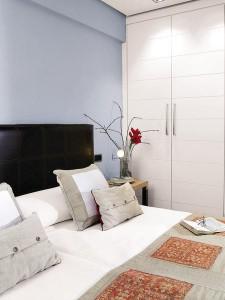 phong ngu am cung 225x300 Thiết kế nội thất sáng tạo trên mảnh đất méo
